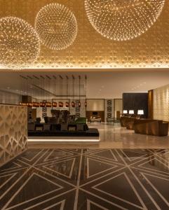 Sheraton Grand Hotel, Dubai - Lobby Portrait
